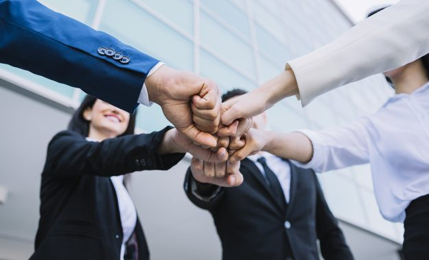 Talent6 pasos para transformar tu empresa y mejorar el ambiente de trabajoo y Organizacionez excelentes